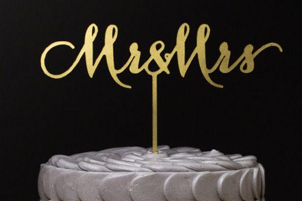 mr-and-mrs-wedding-cake-topper-gold-metallic1284CE8E-2B58-5B19-4F5B-C695D585FE22.jpg